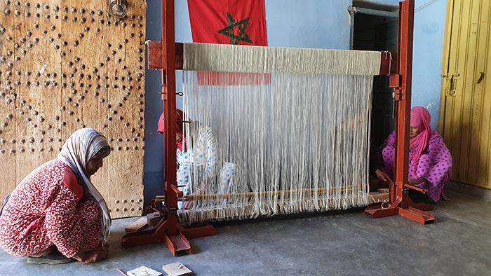 Montage d'un tapis berbère