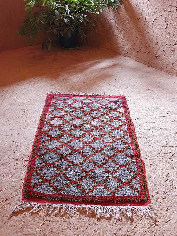 Berberteppich im Stil von Ait Ouaouzguite